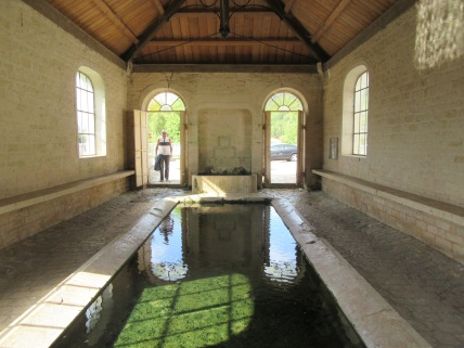 Vouecourt lavoir entrance